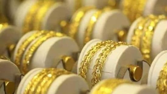 The accused stole over 5kg of gold and 9kg of silver ornaments worth <span class='webrupee'>₹</span>2.82 crore. (HT Photo)