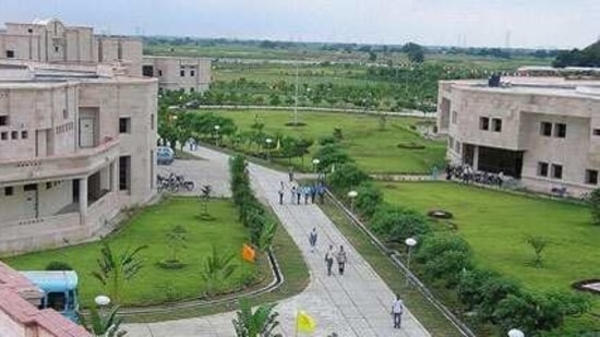 This new course would allow class 12 passed students to enrol for a five-year course that would allow them to earn a BBA and an MBA (IT) degree after getting admitted on the basis of a single admission test, said IIIT-A officials.(HT Photo)