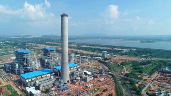 The country's largest floating solar power plant of 100 MW capacity is expected to be commissioned at Ramagundam by the National Thermal Power Corporation in May this year, (HT PHOTO).