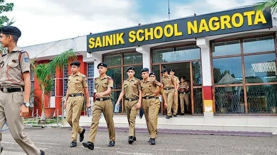 The Sainik School, Nagrota is ranked 5th among 24 Sainik Schools across the country, according to 2018 rankings.(Nitin Kanotra / HT Photo)