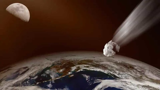 NASA said 2001 FO32 will pass by at about 77,000 miles per hour faster than the speed at which most asteroids encounter Earth.(Getty Images/iStockphoto/ Representational)