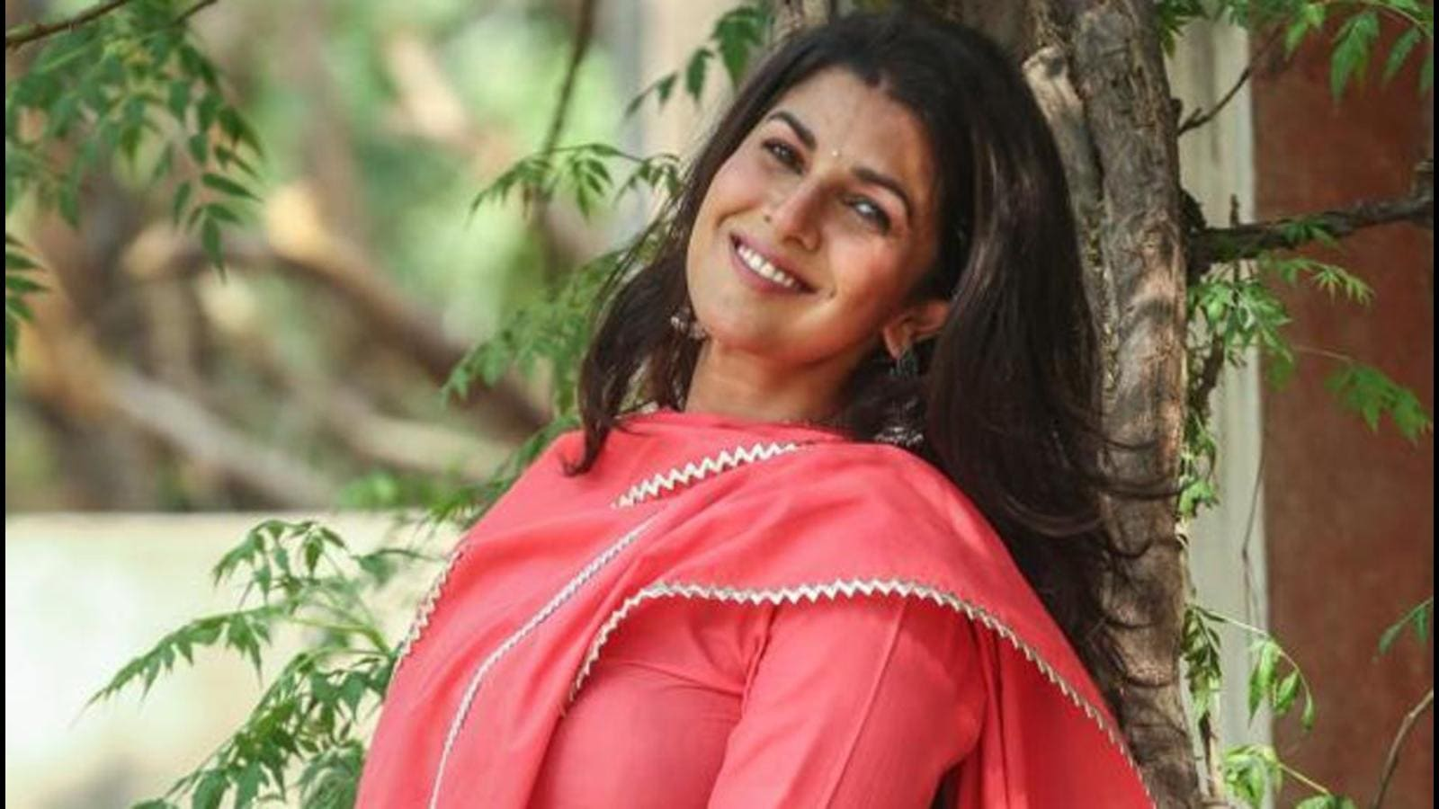 Happy Birthday Nimrat Kaur: On my birthdays, I do like to reconnect with my family - Hindustan Times