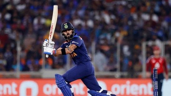 India vs England 2nd T20 Live Cricket Score.