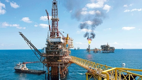 Investors are expecting China to release positive economic data on Monday, supporting forecasts of stronger growth at the world's second largest oil consumer.(Bloomberg)