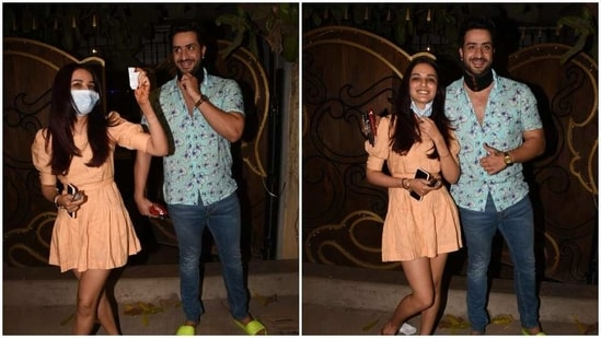 Jasmin Bhasin and Aly Goni spotted by paparazzi.