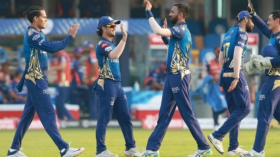 Five-time IPL champions Mumbai Indians will be eyeing a hat-trick of title wins. (IPL)