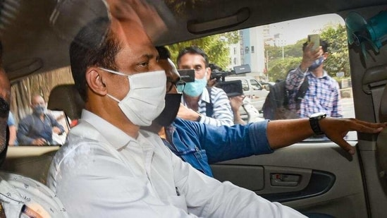 Sachin Vaze after being produced by NIA in a court following his arrest, in Mumbai on Sunday, March 14. (PTI File Photo )