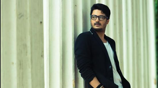 Actor Jisshu Sengupta will be looking back upon his journey for his autobiography