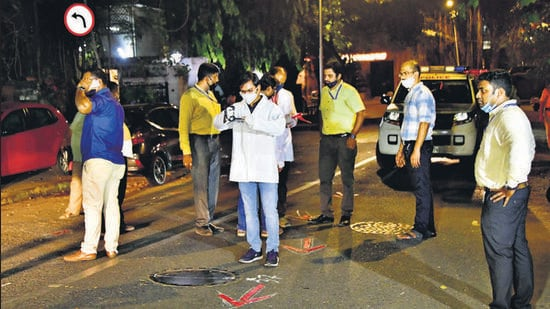Central Forensic Science Laboratory, Pune team and NIA forensic experts took suspended Mumbai police personnel Sachin Vaze to the crime scene where the explosive-laden Scorpio was found outside Antilla on February 25, to recreate the crime scene on Saturday. (HT FILE)