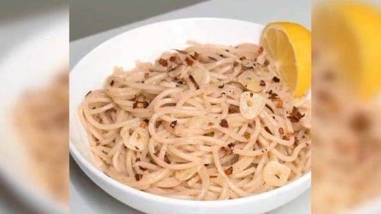 Pasta Aglio e Oilo recipe(Instagram/ pepper.ph)