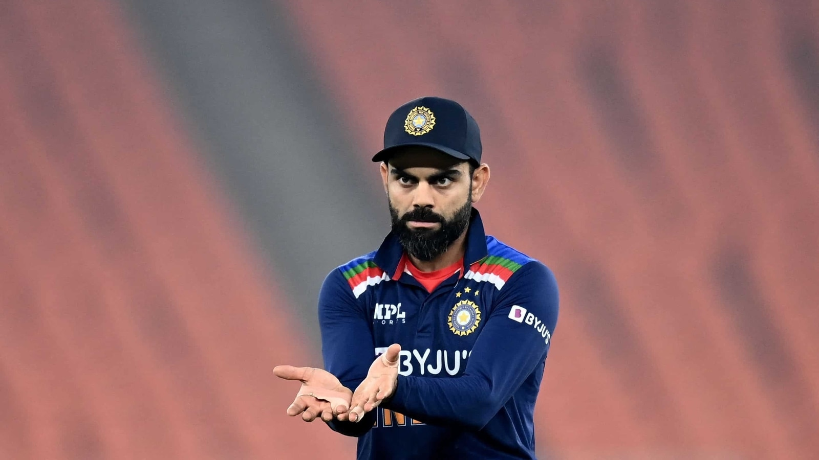 'If ball is hitting stumps, it should be out,' Virat Kohli says the umpire's call 'is creating lot of confusion' - Hindustan Times