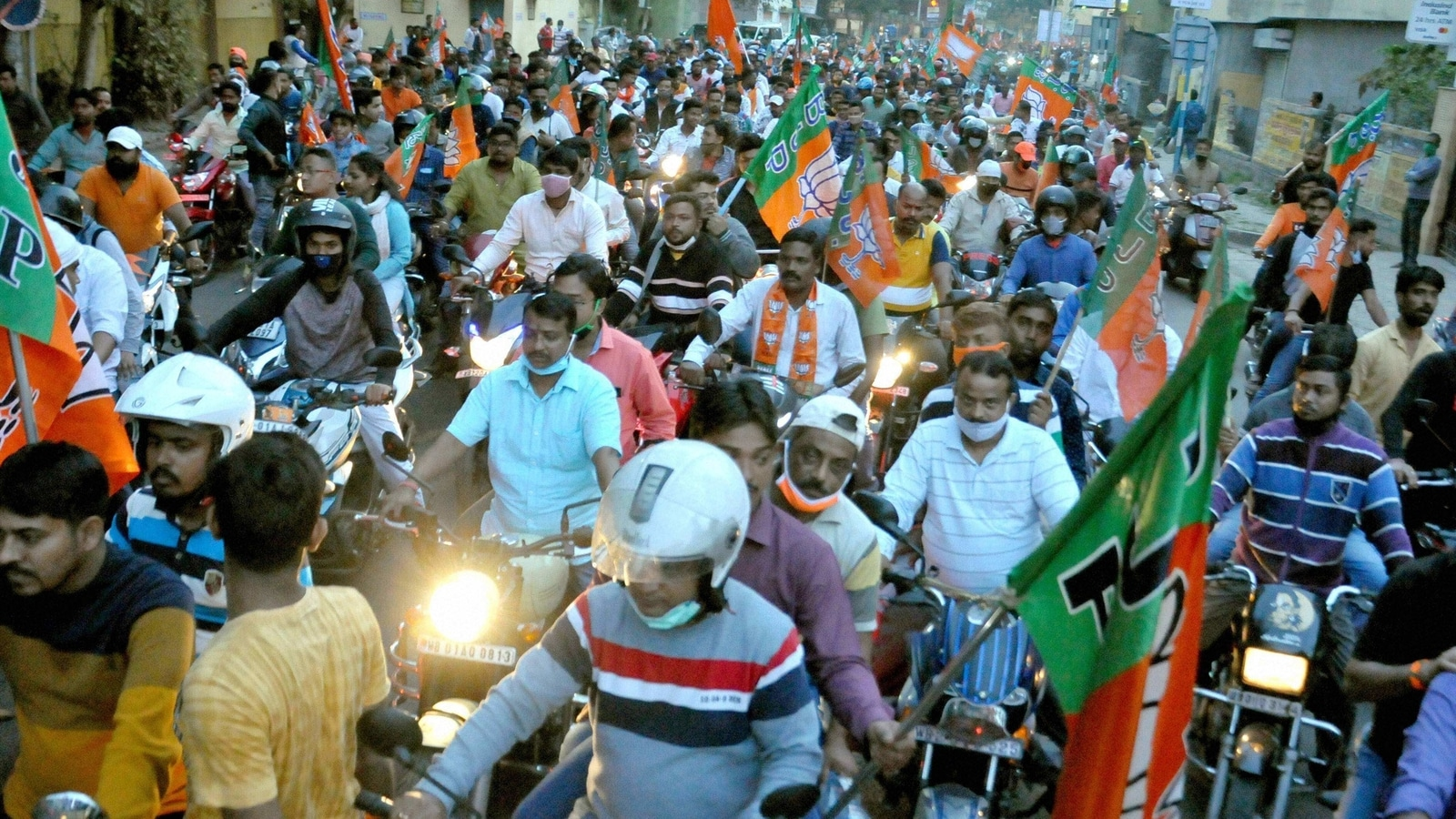 News updates from HT: EC bans bike rallies 72 hours before poll day and all the latest news