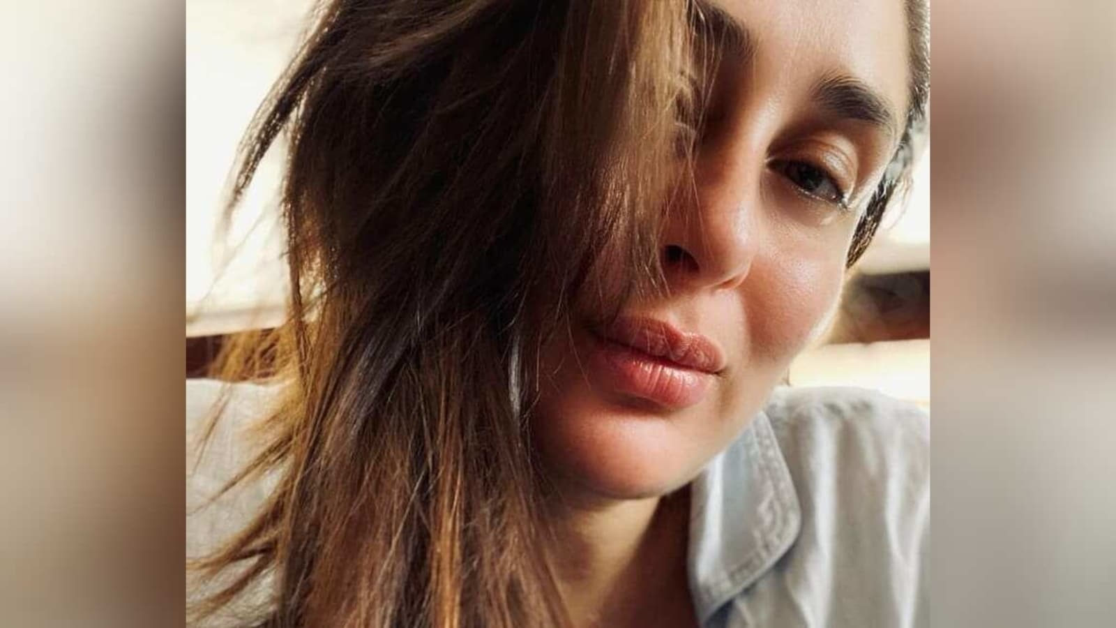Kareena Kapoor Khan looks forward to the weekend with stunning no-makeup selfie and Mean Girls-inspired quote - Hindustan Times