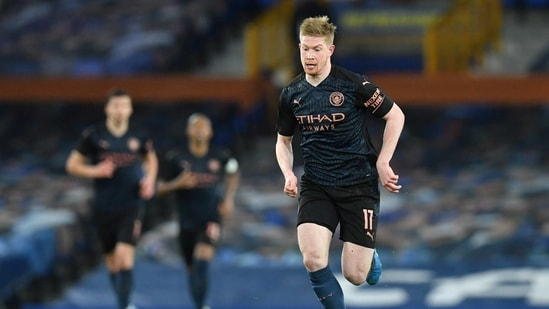 FILE PHOTO: Soccer Football - FA Cup Quarter Final - Everton v Manchester City - Goodison Park, Liverpool, Britain - March 20, 2021 Manchester City's Kevin De Bruyne in action(Pool via REUTERS)