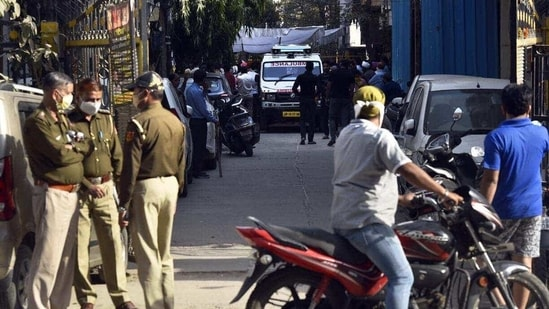 The scooter used in the murder was also used in the other two snatchings, a police officer associated with the case said, requesting anonymity.(Sanjeev Verma/HT Photo)