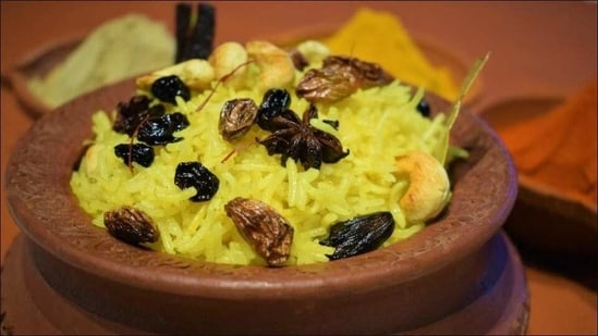 Recipe: Enjoy a scrumptious and colourful Holi with this bowl of saffron rice(Marriott International)