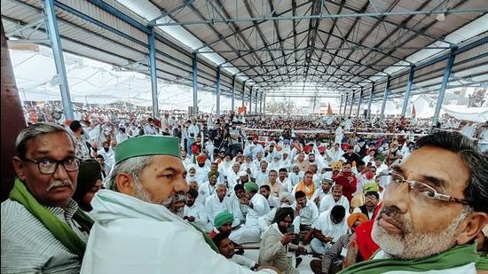BKU president Rakesh Tikait at a Kisan Manpanchayat in Assandh (Karnal) on Thursday. (HT PHOTO)
