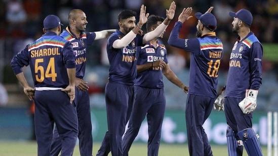 Jasaprit Bumrah celebrates with Indian team