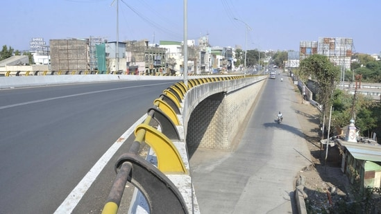 Amravati: City streets wear a deserted look after the administration announced complete restriction citing an increase in COVID-19 cases, in Amravati, Thursday. Feb 25, 2021. (PTI Photo)(PTI02_25_2021_000207A)(PTI)