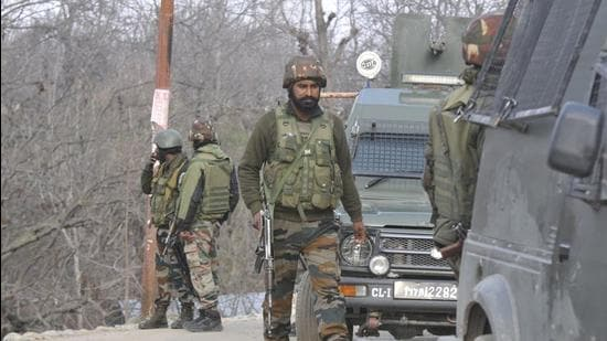 File photo: Army soldiers near the site of encounter in Shopian. (Waseem Andrabi/Hindustan Times)
