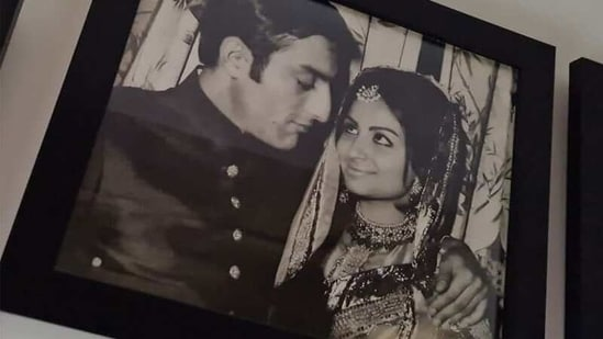 Mansoor Ali Khan and Sharmila Tagore's picture is too cute for words.