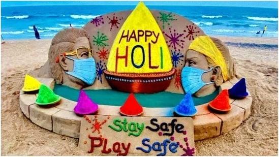 Sudarsan Pattnaik shares sand art for Holi(Twitter/ sudarsansand)