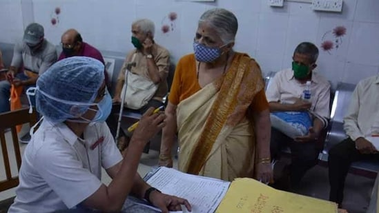 Mumbai on Sunday reported the highest single-day rise in Covid-19 cases by adding 6,923 new infections, taking the total tally to 3,98,674.