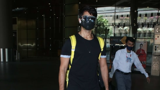 Shahid Kapoor spotted at the Mumbai airport on Tuesday.(Varinder Chawla)