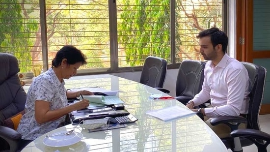 Dr. Kavita Aggarwal (MISA) and Mr. Pratham Barot (Zell)