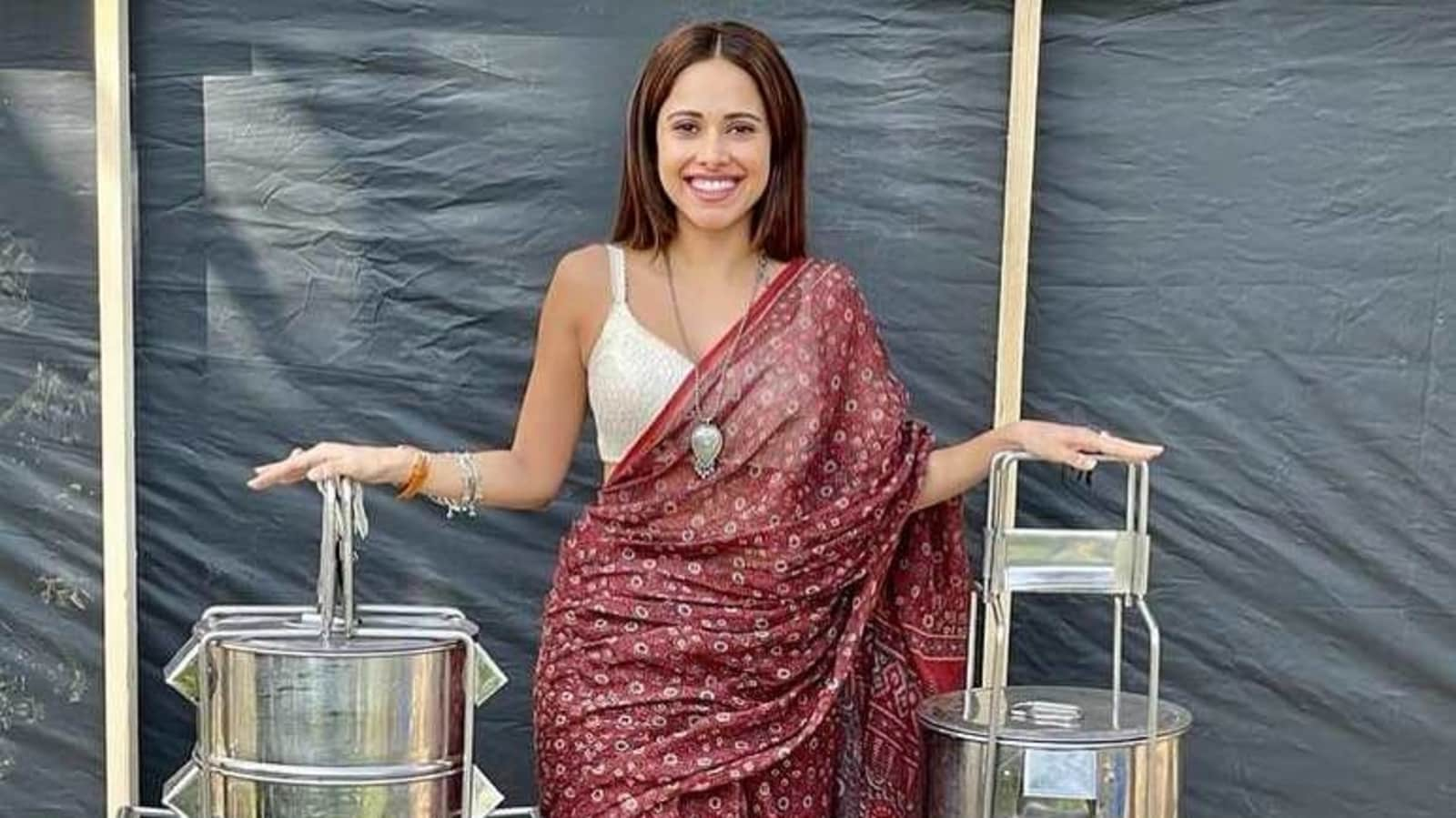 Akshay Kumar turns Nushrratt Bharuccha's personal photographer, reveals how she arrives on Ram Setu sets - Hindustan Times