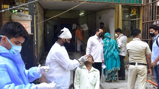 As many as 139 people succumbed to the disease while 23,820 recovered on Tuesday.(Anshuman Poyrekar/HT Photo)