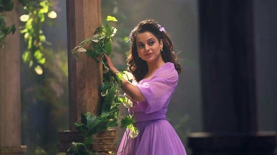 Kangana Ranaut plays J Jayalalithaa in Thalaivi.
