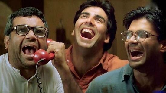Paresh Rawal, Akshay Kumar and Suniel Shetty in a still from Hera Pheri.