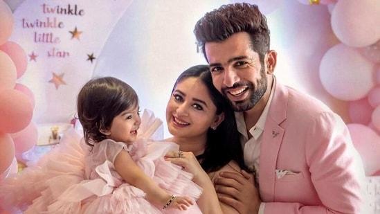 Mahhi Vij and Jay Bhanushali have a little girl named Tara.
