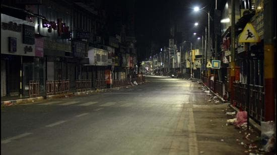 The Odisha government on Saturday decided to clamp night curfew in 10 districts which are witnessing a surge in cases of Covid-19. (Image used for representation). (HT PHOTO.)