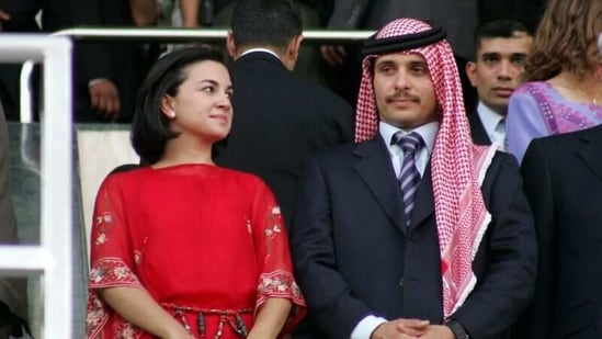 Jordan's Prince Hamza (R) and his wife Princess Noor at the 10th anniversary of King Abdullah's accession to the throne, on June 9, 2009, in Amman. (File Photo: Reuters)