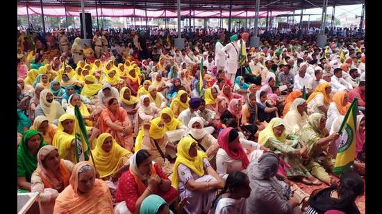 Protesters attend a mahapanchayat in Abohar on Sunday. (Sanjeev Kumar/HT)