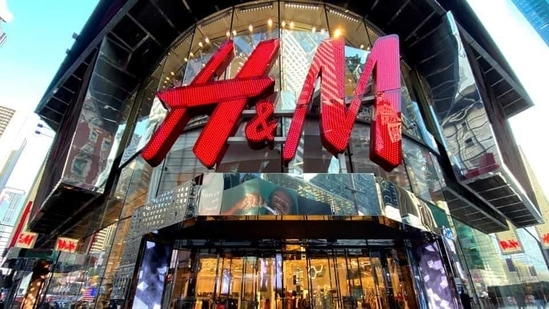 H&M reaffirms commitment to China amid controversy over Xinjiang forced labour. REUTERS/Mike Segar/File Photo(REUTERS)