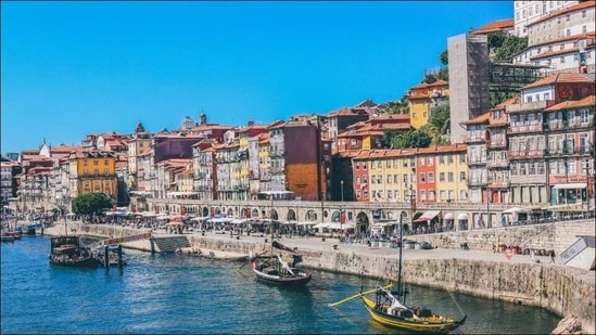 Portugal extends restrictions on travel to Spain until April 15 to curb Covid-19(Photo by Nick Karvounis on Unsplash)