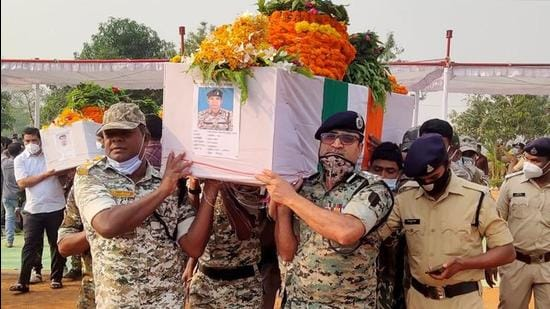 Security forces officers carry the coffin of a colleague who was killed in an attack by Maoist in Bijapur in Chhattisgarh. (REUTERS)