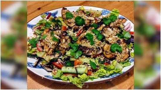 Grilled Thai Chicken Salad recipe(Instagram/ homecookedfamily)