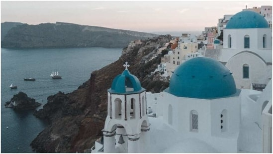 Greece extends restrictions on international flights(Pexels)