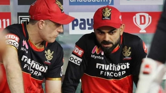RCB head coach Simon Katich and captain Virat Kohli(Twitter)