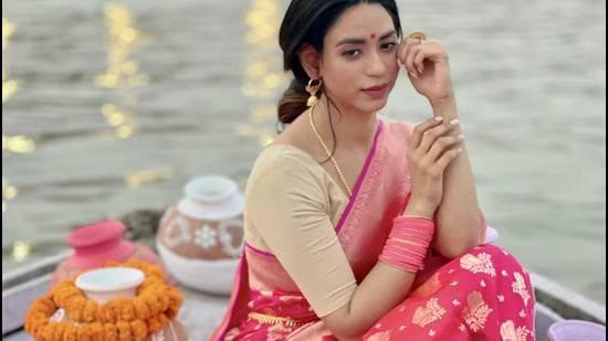 Actor Soundarya Sharma in a Banarasi saree on the ghats of Varanasi; Concept: Shara Ashraf Prayag. (Narendra Gopal Thakuri)