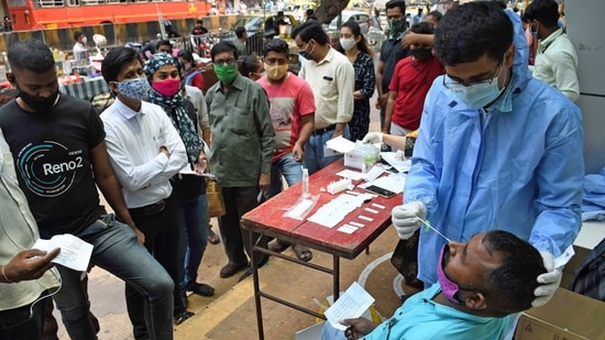 Coronavirus status report: India has far surpassed Brazil's average Covid-19 tally of 66,176 and the US' 65,624 to become the biggest current Covid-19 hotspot. (File Photo)