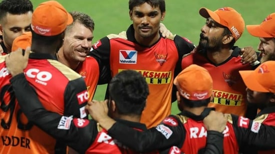 The Sunrisers Hyderabad unit during IPL 2020.(SRH/Twitter)