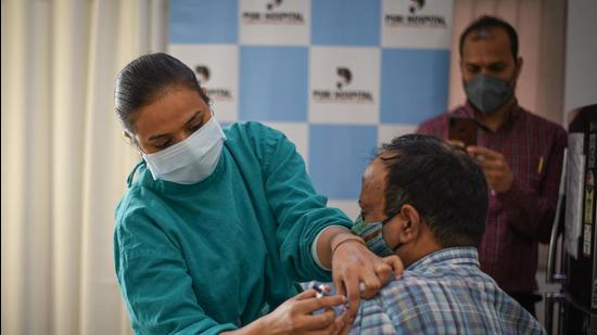 The threshold of 100 minimum eligible beneficiaries has been set to have optimal vaccine utilization, and to avoid wastage as far as possible. (Sanchit Khanna/HT PHOTO.)