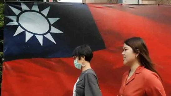 Taiwan and China split amid civil war in 1949, and most Taiwanese favor maintaining the current state of de facto independence while engaging in robust economic exchanges with the mainland.(Reuters file photo)