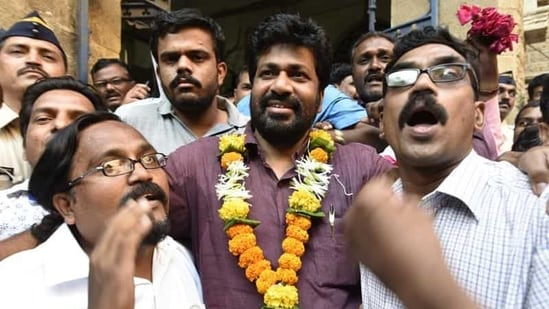 The alleged incident took place on Monday evening when Bachchu Kadu, who is also the Akola district guardian minister, paid a surprise visit to the hospital.(Anshuman Poyrekar/HT file photo)