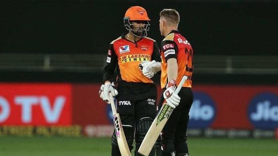 Wriddhiman Saha with David Warner.(IPL)